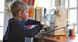 tricoter avec un enfant
